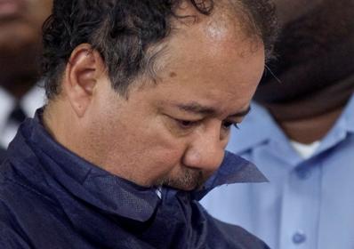 Ариэль Кастро слушает в суде обвинения в свой адрес