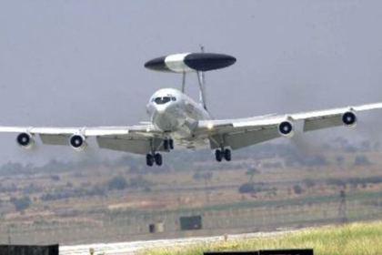 ОС-135В с развернутой системой слежения АВАКС